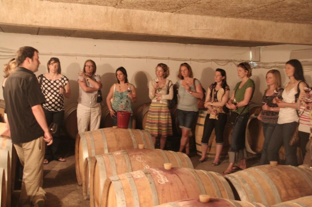 Les femmes s'intéressent de plus en plus au vin.